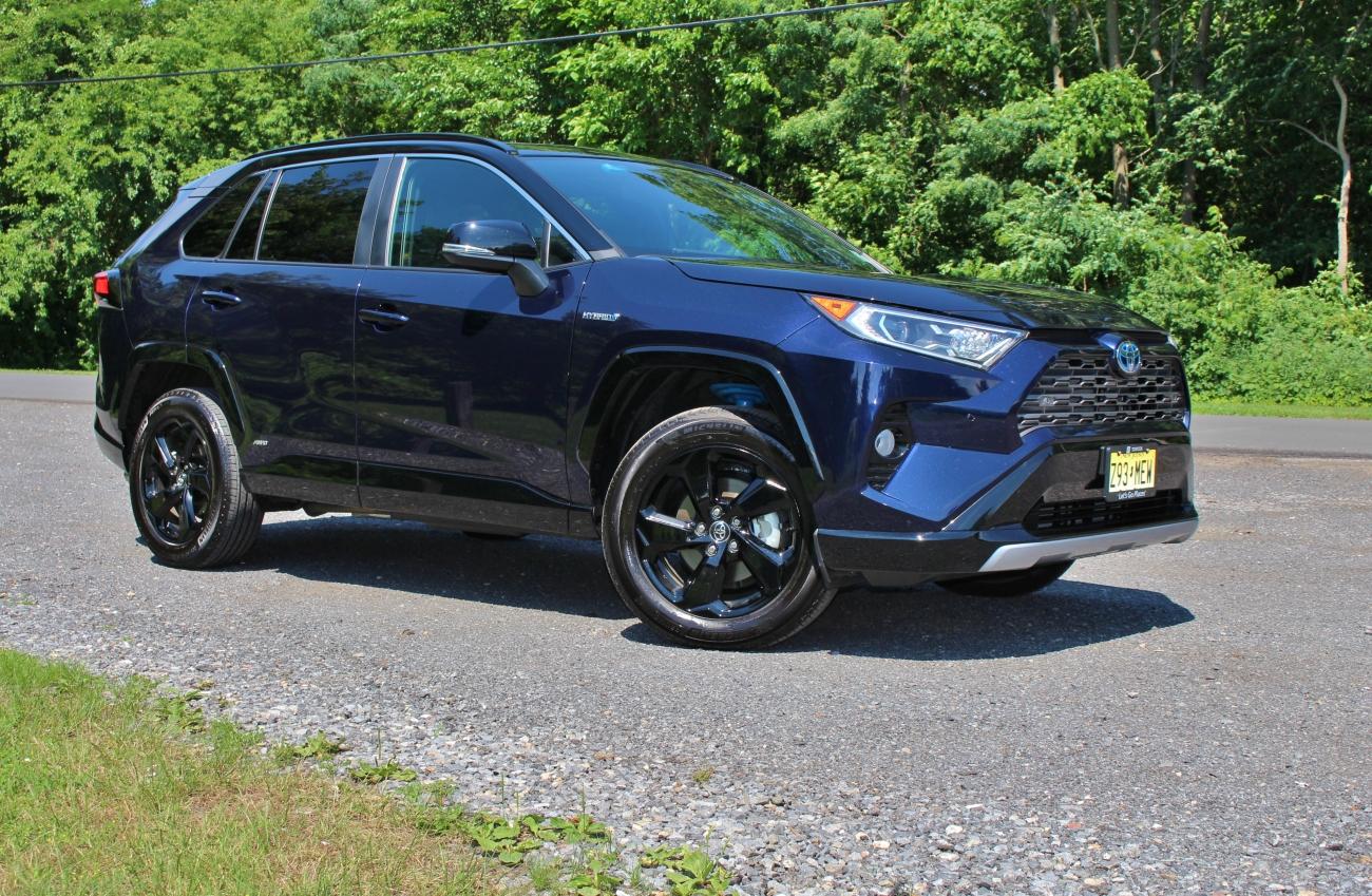 2020 Toyota RAV4 Hybrid 3